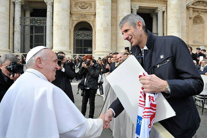 Pope Francis blesses the 70 year old Victoria Libertas Pesaro and its kit!