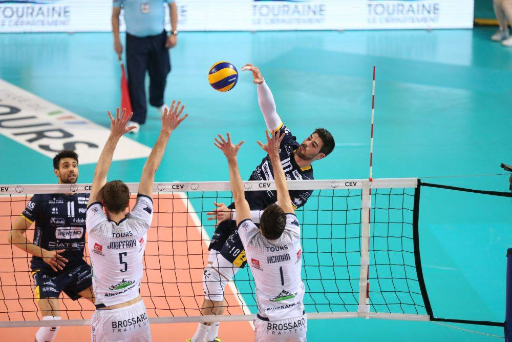 Trento surrenders at the the golden set in France and the 2017 CEV Cup goes to Tours VB!